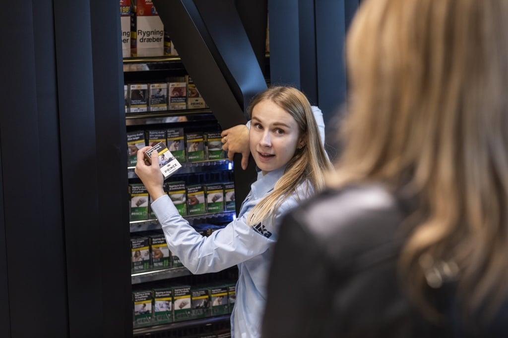 PRESSEMEDDELELSE Et aar med skjult tobak 50 millioner faerre solgte cigaretter i Netto foetex og Bilka e1573301028779