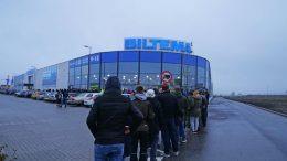 Pressemeddelelse Kunder sad 11 timer i koe til nyt gigantvarehus Stoerste aabning i Biltemas historie e1573299658834