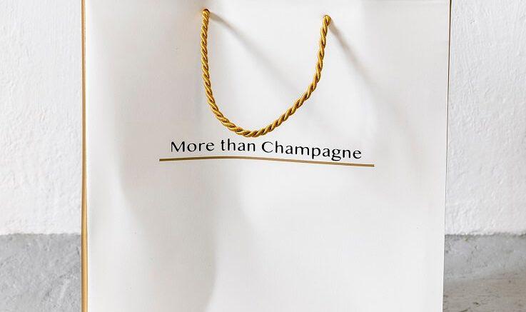 PRESSEMEDDELELSE Beton kondomer guld og champagne