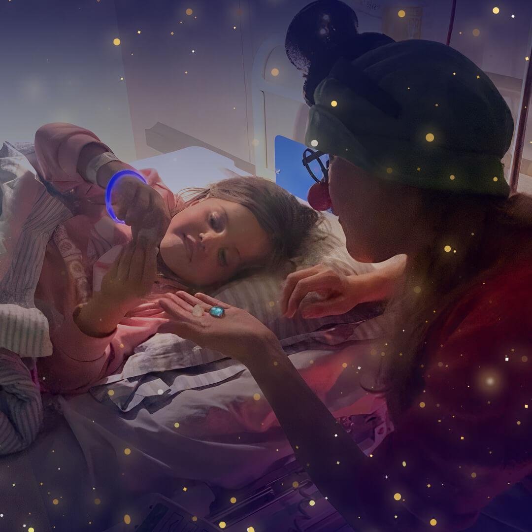 PRESSEMEDDELELSE Indlagte boern faar godnatbesoeg af Danske Hospitalsklovne