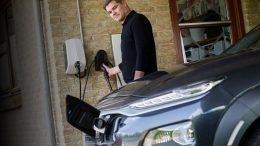 PRESSEMEDDELELSE OK er klar med hjemmeopladning til elbiler